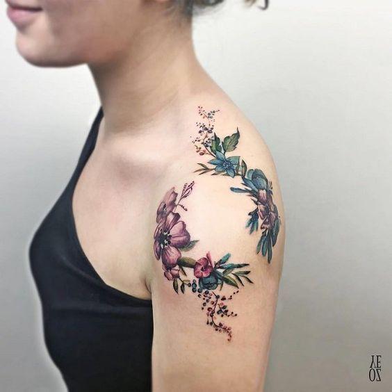 tatuajes hombros mujer