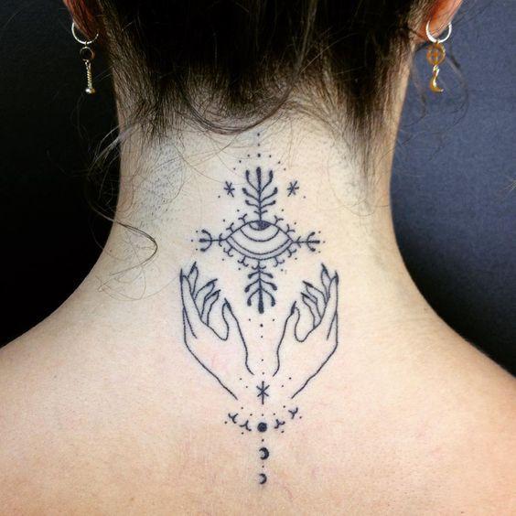 tatuajes para mujeres en la nuca