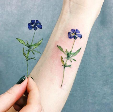 tatuajes para mujeres de flores